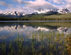 idaho mountains and lake